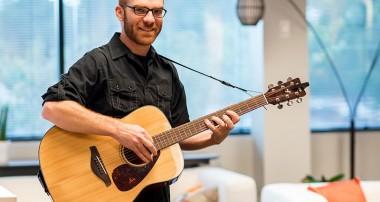 3 career options for aspiring guitarists